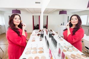 Lina Ivarsson saknade sminkprodukter som både hade bra smink- och hudvårdande egenskaper. Det blev startskottet för hennes egna företag Palina AB.