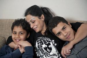 Syriska Nadja och hennes barn hör till dem som fått komma hit som kvotflyktingar.