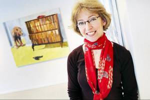 Anna Kristensen ställer ut på Galleri Remi. Hennes surrealistiska måleri är spännande och oförutsägbart.