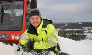 Under fredagen når Kalle Hansols sitt mål. Efter mer än två års stenhårt arbete kan han under fredagen, tillsammans med sambon Rebecca, öppna Svärdsjöliften.