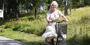 – Ibland kan det vara jobbig att ta sig runt med cykel och kollektivtrafik men det funkar, säger Pia Möllgård.