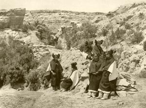 Hopikvinnor år 1922. Foto: Edward S. Curtis