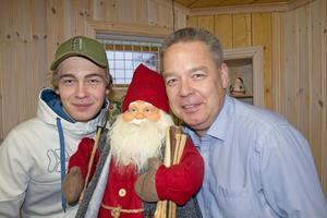 Nu är det dags för  julradio igen på Radio Hedemora. Som vanligt uppburet av far och son Tommy och Linus Samuelsson