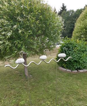 En av konstnären Leif Mellins trädgårdsdekorationer. Foto: Barbro Sedin.