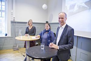 Marie Nordmark, avdelningschef på X-trafik, regionråd Karin Jansson, MP, och Jan Kyrk, affärschef på SJ presenterade samarbetet på en presskonferens på tågstationen i Gävle.