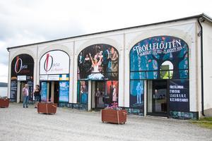 Opera På Skärets uppsättning av Mozarts Trollflöjten hade premiär 27 juli 2019.
