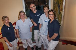 Kristina Billmark Elfstrand, Sofia Rudman Palm, Tobias Westling, Liz Voxlin och Christin Jonsson är några av de som jobbar på hälsocentralen i Edsbyn.
