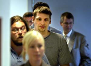 Tony fd Olsson efter häktningsförhandlingarna 2004 i Flemingsbergs häkte. Foto: Fredrik Persson