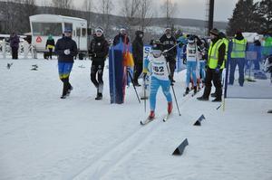 Ebbe Abrahamsson Gjersvold, ÖSK, i starten av prologen i klassisk stil första tävlingsdagen i Järpen.