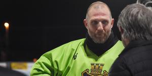 Andreas Bergwall tar över som ny huvudtränare i AIK sedan Pelle Fosshaug går vidare till andra arbetsuppgifter inom klubben.