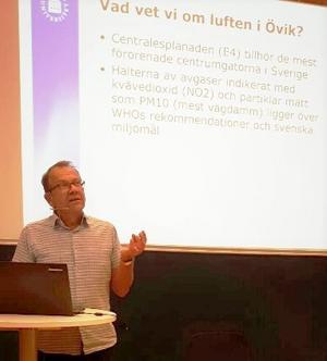 Professor Bertil Forsberg var inbjuden av  ABF och Aktionsgruppen för E4-tunneln i Örnsköldsvik.