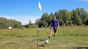 """Markus Thuvander, 21, """"sular"""" bollen mot hålet."""