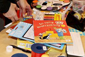 Sagoböcker och färgpennor fanns bland de saker som besökarna lämnade in.