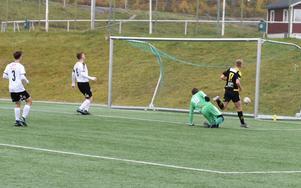 Alex Ölund gör Friska Viljors första mål.