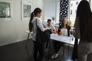 I dagarna har drygt 350 000 svenska skolelever röstat i Skolval 2018. Moderaterna visade sig vara mest omtyckt bland eleverna tätt följt av Socialdemokraterna. Obs! Genrebild.