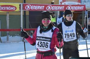 4306 Martina Björklund och 7949 Andreas Larsson klarade precis reptiden i Evertsberg men tvekade för att fortsätta och valde att bryta.