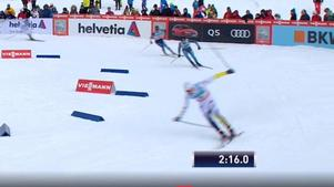 Theodor Peterson var på väg mot semifinal när han föll i sista kurvan. Bild: SVT.