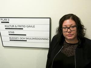 Sara Stenquist är chef för Konsument Gästrikland. Hon välkomnar den nya lagen som innebär att det ska bli enklare att ansöka om skuldsanering.