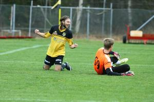 Andreas Nehvonen slog in det viktiga 1-2-målet och såg till att Järbo återigen var med i kvalmatchen mot Svärdsjö.