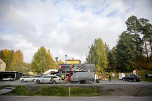 Macken i Östavall har blivit sågverksbyns mötesplats.