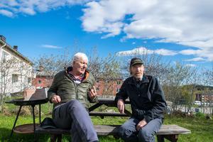Rolf Nordvall och Stefan Jonsson tillhör den tredjedel av Finstaborna som tänker rösta i EU-valet.