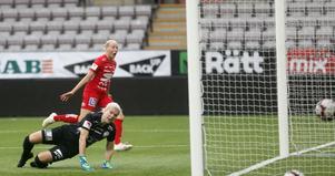 Eveliina Summanen satte 1–0 bakom förra Kif Örebro-målvakten Emelie Lundberg i Eskilstunamålet.