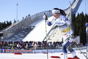 Charlotte Kalla under söndagens tävling i Holmenkollen.