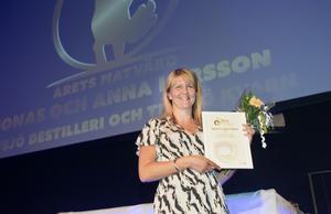 Jonas och Anna Larsson, Tevsjö destilleri i Järvsö, tog hem priset för