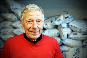 Åke Edin vill varna andra i Kramfors för att det härjar pellets-tjuvar.