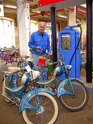 Jan-Erik Ståhl satte Tidaholm på kartan med sin stora mopedsamling. Nu hyllas  med fina minnesord i tidsskriften Tidningen Moped.