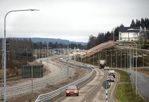 Dans- och samlingslokalen Värstaborg är återigen ett landmärke när all skog tagits bort i samband med bygget av det nya dubbelspåret och upprustningen av gamla E4.