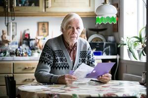 Efter att ha betalat alla räkningar prickfritt i sitt 88-åriga liv, har nu Lennart Roslund fått två påminnelser i rad från Telia.