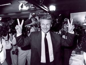 Bengt Westerberg, partiledare för Folkpartiet, nöjd med valresultatet på 14,2 procent 1985. Foto: Gunnar Lundmark / SvD / SCANPIX.