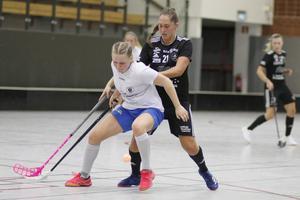Sala Silverstadens Isabelle Johansson (svart tröja) reducerade till 2–3 i mitten på den sista perioden.