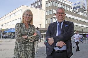Elisabeth Unell (M) och Anders Teljebäck (S).