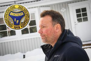 Svenne Olsson är klubbchef i Broberg och förbundskapten för svenska landslaget.