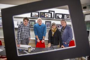 Daniel Zetreus, Lars Fredriksson, Nerina Bersán och Kenneth Friberg  bjuder nu in till Folkare Fotoklubbs utställning på Avesta bibliotek, en utställning med namnet