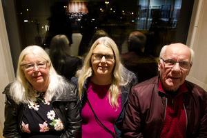 Hedesundatrion Lisbeth Östlund på konsert  med dotter Pernilla Östlund och maken Sture Östlund.