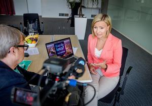 Ebba Busch Thor (KD) svarar på  Mittmedias tittarfrågor i Kandulova.