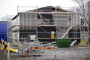 Renoveringen av Nya Bruket i Sandviken är inne på tredje året och är en investering på 600 miljoner för det kommunala bostadsföretaget.