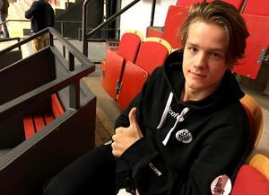Jesper Boqvist gjorde tummen upp för några veckor sedan. Nu är han tillbaka i spel också.