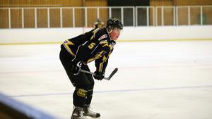 Fabians bror, Sebastian, spelar också hockey i Hallsta IK – och var med honom under dagen när han fick sin pacemaker.
