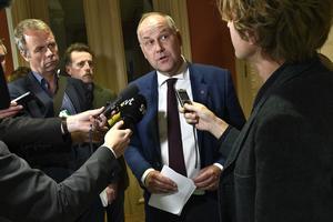 Sista hindret på vägen mot en ny regering, V-ledaren Jonas Sjöstedt.  Foto:  Claudio Bresciani / TT