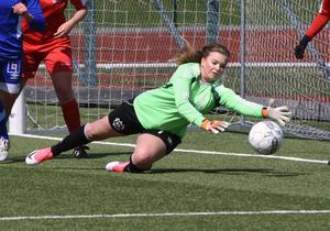 Isabelle Nordlund ska rädda bollar i Kramfors-dressen nästa säsong.