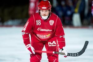 Joakim Hedberg fortsätter som spelande tränare i Söråker.