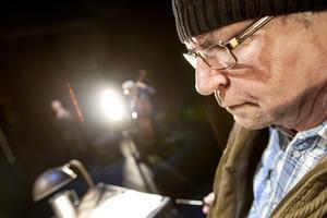 Magnus Mankan Nilsson var en av dem som tidigare var kritisk till arbetsmiljön på Oktoberteatern, men nu tycker han att det är bättre. Här ses han i pjäsen Driving Miles. Arkivfoto: Jonas Tetzlaff