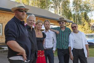 Tibble Transsibiriska.Från vänster: Mats Kjellgren, Mats Jonsson, Alexandra Särström, Emil Rotsjö, Johan Testad och Jonas Runefelt.