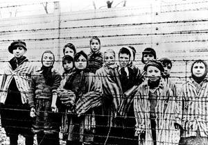 Bild tagen precis efter fritagningen av Auschwitz 1945.