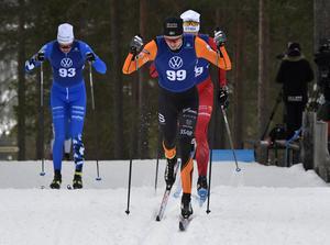 Simon Andersson, Falun-Borlänge på väg mot en andra plats i säsongspremiären för honom.