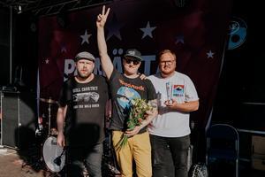 Moving to Ashbury är Nicklas Sandström, Mathias Helsing Andersson och Elias Gladh.